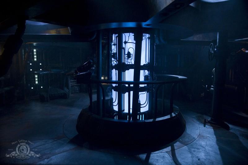 Un'immagine dell'interno della nave simile alla Destiny in Awakenings di Stargate Universe