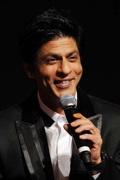 Un sorridente Shahrukh Khan presenta a Roma Il mio nome è Khan