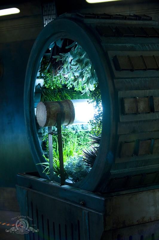 Una ruota con delle colture idroponiche nell'episodio Awakenings di Stargate Universe