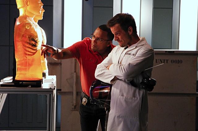 Carmine Giovinazzo e Hill Harper in CSI: New York,nell'episodio Hide Sight