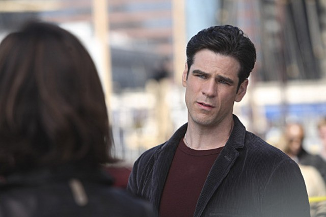Eddie Cahill in CSI: New York nell'episodio Justified