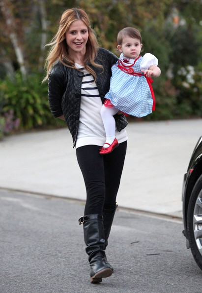 Sarah Michelle Gellar con la figlia Charlotte Prinze in Brentwood, California