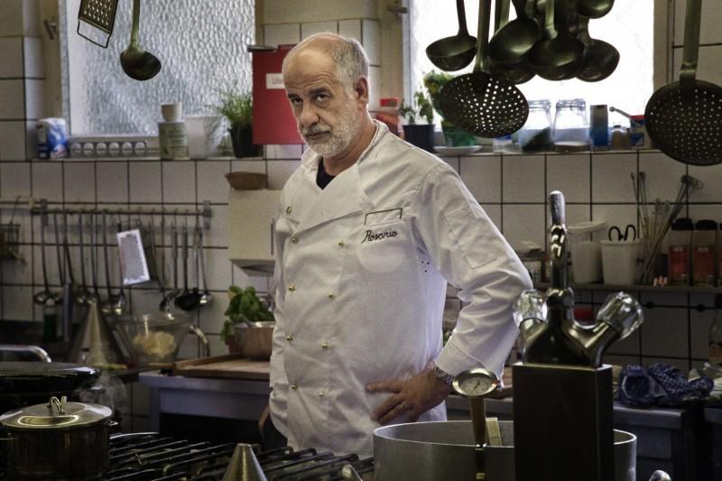 Toni Servillo nei panni di uno chef in Una vita tranquilla