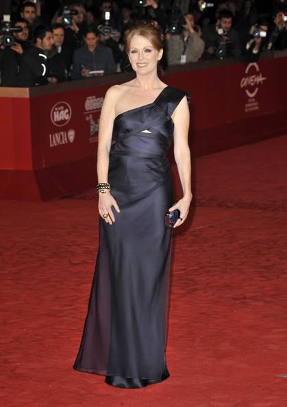 Roma 2010: una splendida Julianne Moore presenta I ragazzi stanno bene sul red carpet