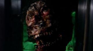 Una scena del film Zombi 3