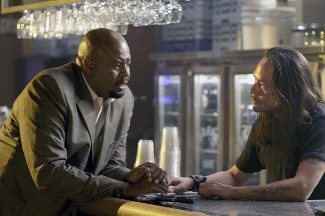 Chi McBride in una scena dell'episodio The Wife's Tale di Human Target