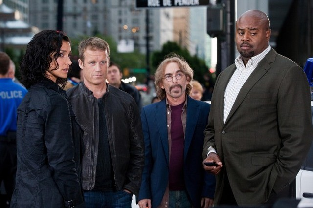 Indira Varma, Mark Valley, Jackie Earle Haley e Chi McBride nell'episodio Ilsa Pucci di Human Target