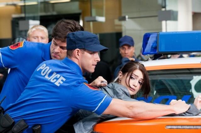 Janet Montgomery in una scena dell'episodio Ilsa Pucci di Human Target