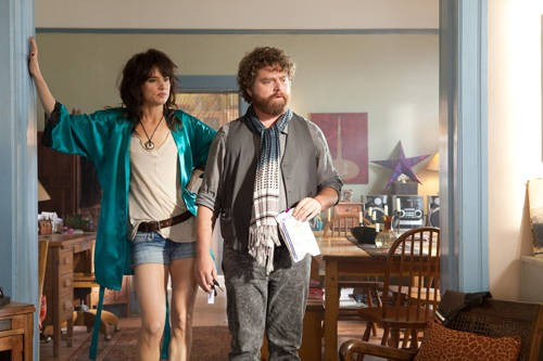 Juliette Lewis e Zach Galifianakis nel road movie Due Date