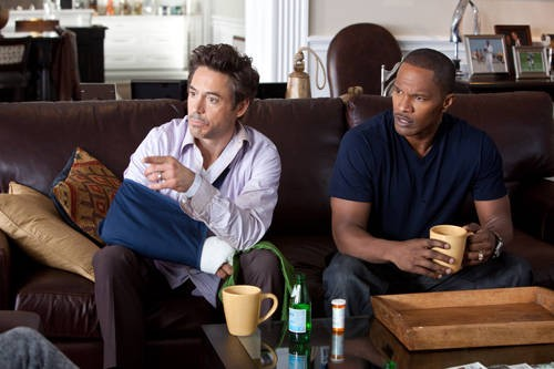 Robert Downey Jr con Jamie Foxx nella commedia Due Date