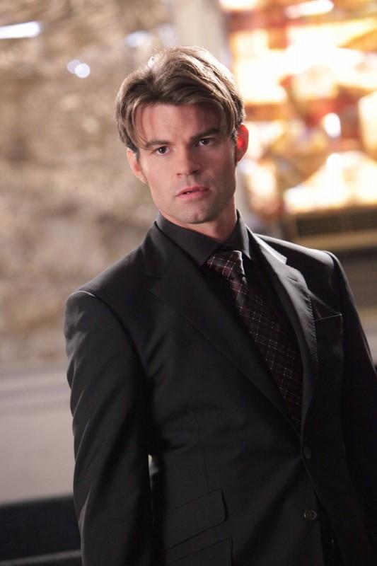 Daniel Gillies interpreta Elijah nell'episodio Rose di Vampire Diaries