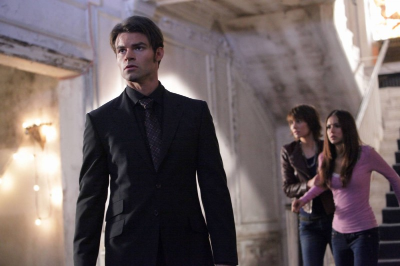 Daniel Gillies, Lauren Cohan e Nina Dobrev nell'episodio Rose di Vampire Diaries