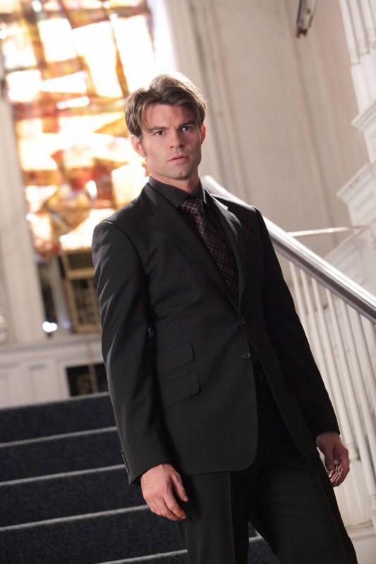 Elijah (Daniel Gillies) nell'episodio Rose di Vampire Diaries
