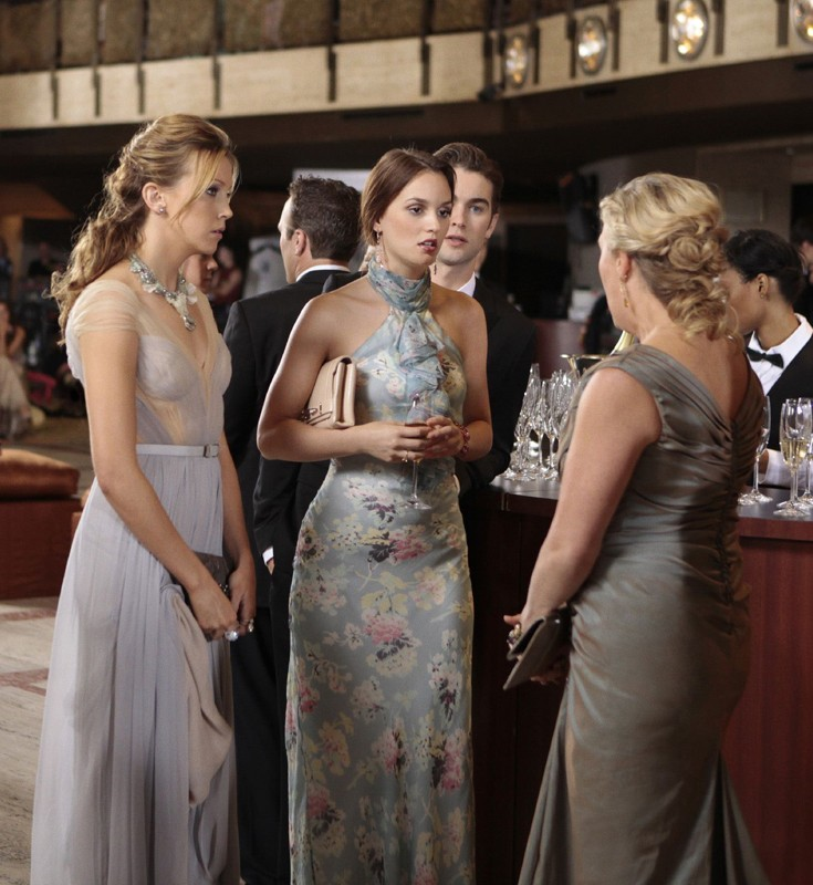 Katie Cassidy, Leighton Meester e Chace Crawford nell'episodio Juliet Doesn't Live Here Anymore di Gossip Girl