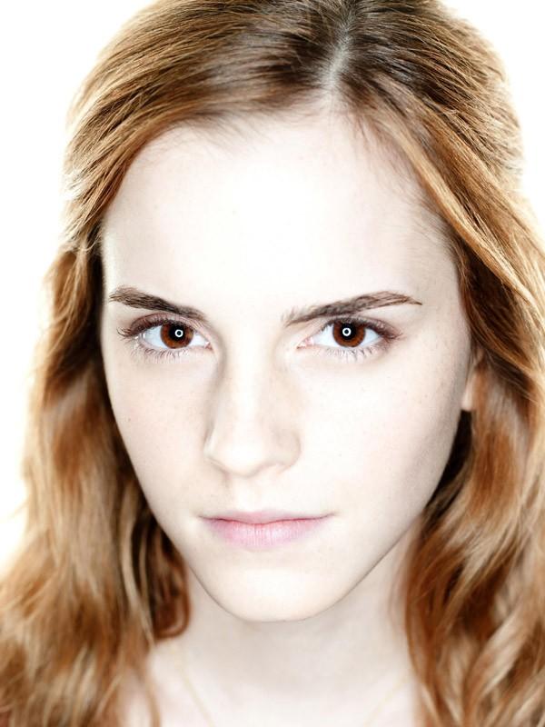 Un luminoso primo piano di Emma Watson per il film Harry Potter e i Doni della Morte - parte 1