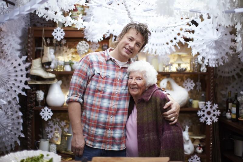 Jamie Oliver in una immagine dello show Jamie's Family Christmas