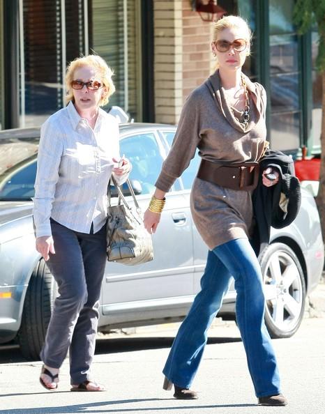 Katherine Heigl e sua madre Nancy fuori per il pranzo a Little Dom a Los Feliz