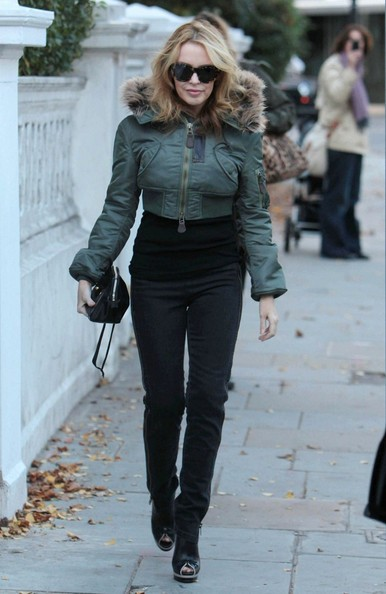 Kylie Minogue prima della sua performance su smash hit ITV X-Factor a Londra