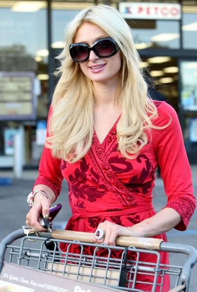 Paris Hilton fa spese al Petco in West Hollywood