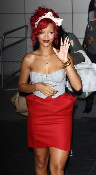 Rihanna arriva al Westfield Shopping Center di Londra, per accendere le luci di Natale