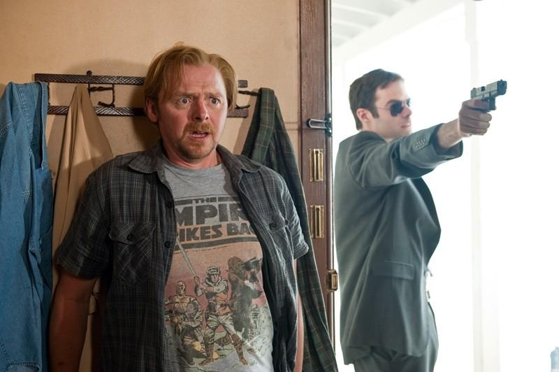 Simon Pegg e la sua maglietta in una scena di Paul