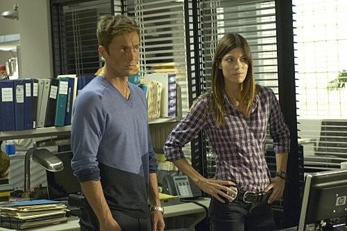 Desmond Harrington e Jennifer Carpenter in una scena dell'episodio Circle Us della quinta stagione di  Dexter