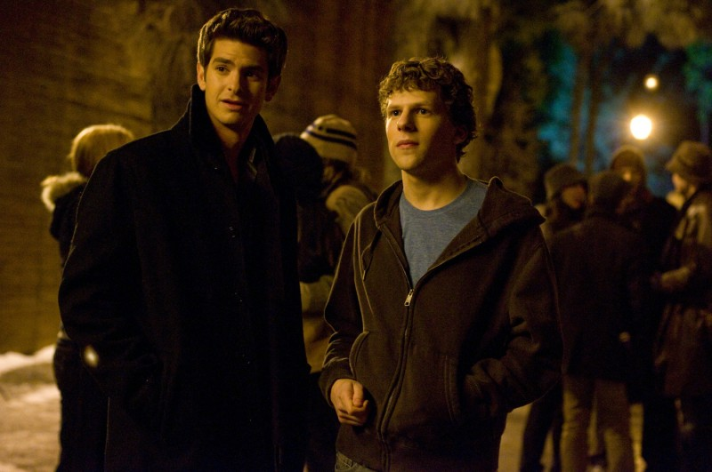 Jesse Eisenberg ed Andrew Garfield nel film The Social Network
