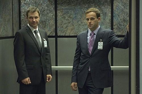 Jonny Lee Miller in un'immagine dell'episodio Circle Us della quinta stagione di  Dexter
