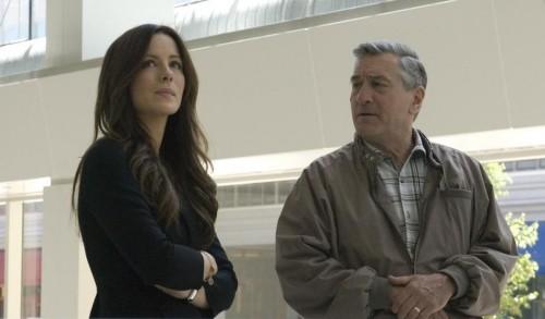 Robert De Niro e Kate Beckinsale in una scena del film Everybody's fine