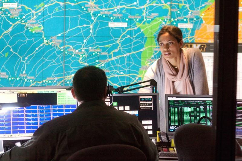 Rosario Dawson in una scena del film Unstoppable