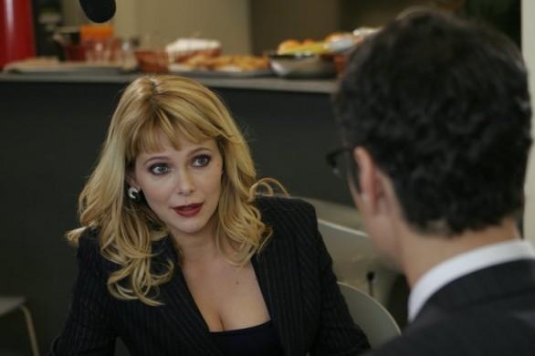 Sarah Felberbaum e Raoul Bova di spalle in una scena di Ti presento un amico