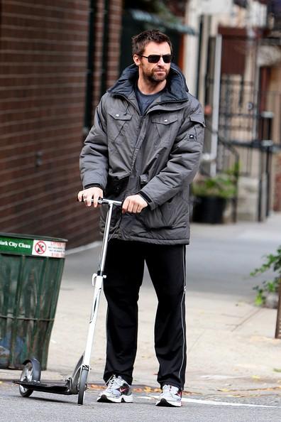 Hugh Jackman e famiglia per le strade di New York