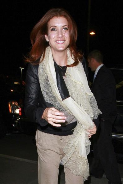 Kate Walsh arriva al Los Angeles International Aeroport