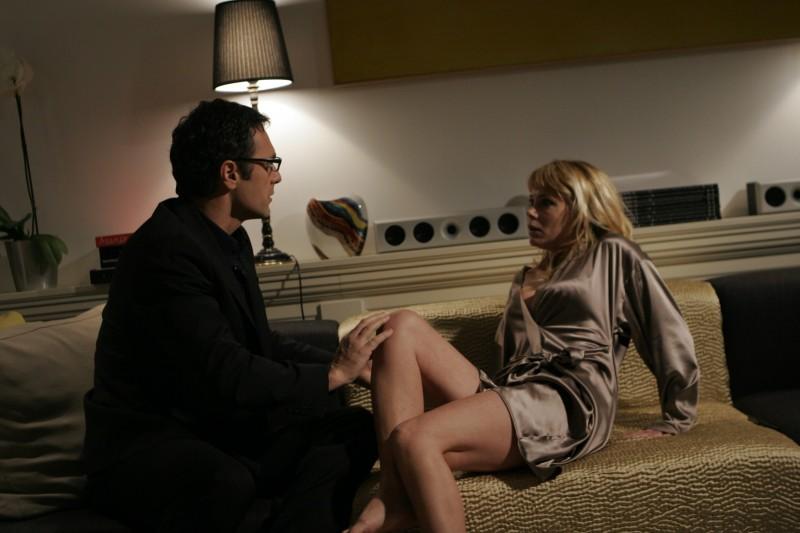 Raoul Bova con Martina Stella in una scena della commedia Ti presento un amico