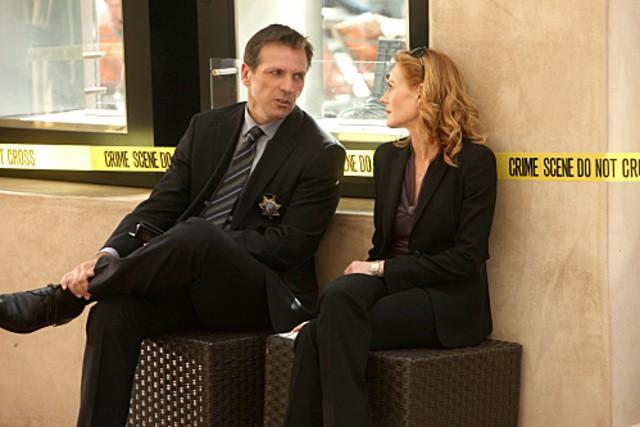 Alex Carter e Marg Helgenberger  in CSI: Scena del crimine nell'episodio Wild Life
