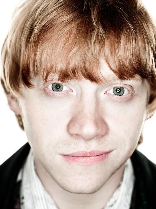 Un luminoso primo piano di Rupert Grint per il film Harry Potter e i Doni della Morte - parte 1