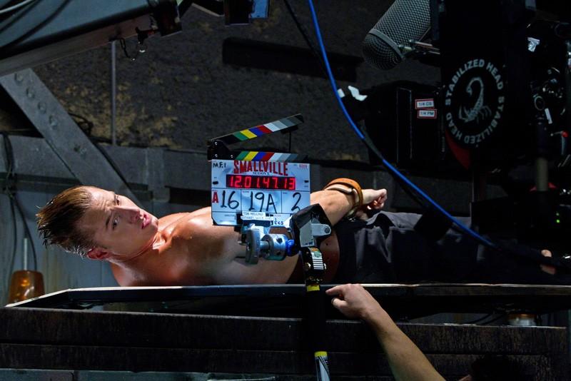 Justin Hartley sul set dell'episodio Patriot di Smallville