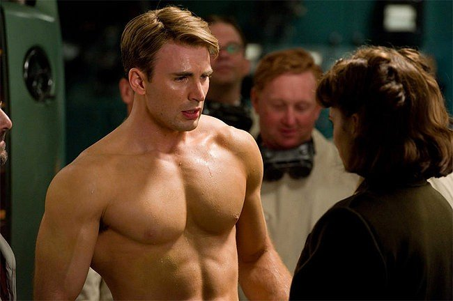 Chris Evans in una scena del film Captain America: il primo vendicatore