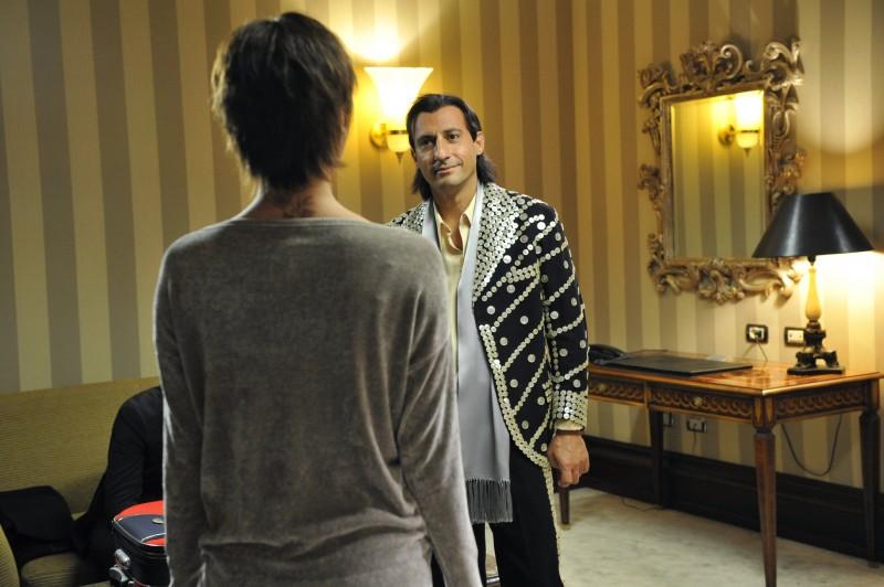 Emilio Solfrizzi in una scena del film Se sei così, ti dico di sì