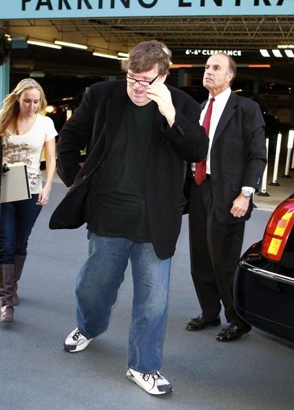 Il regista Michael Moore appare al 'Larry King Live'