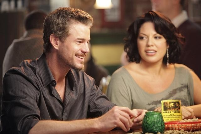 Sara Ramirez e Eric Dane in Grey's Anatomy nell'episodio Slow Night, So Long