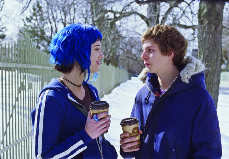 Michael Cera e Mary Elizabeth Winstead in un'immagine tenera del film Scott Pilgrim vs. the World