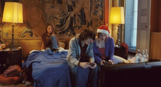 Nina Rodriguez con Antonin Chalon e Julie-Marie Parmentier nel film No et moi