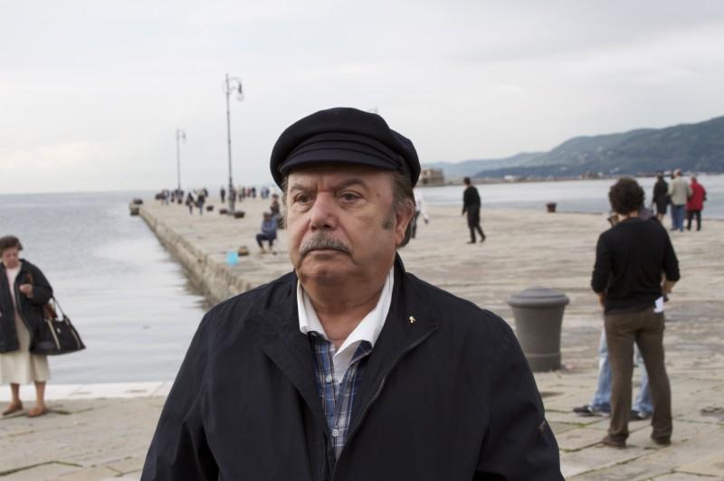 Lino Banfi in una scena della fiction Tutti i padri di Maria