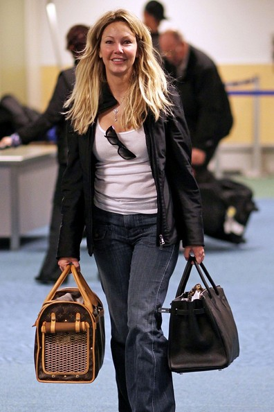 Heather Locklear in aeroporto