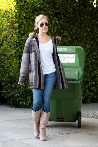 Kristin Cavallari trascina il portarifiuti di fronte casa sua