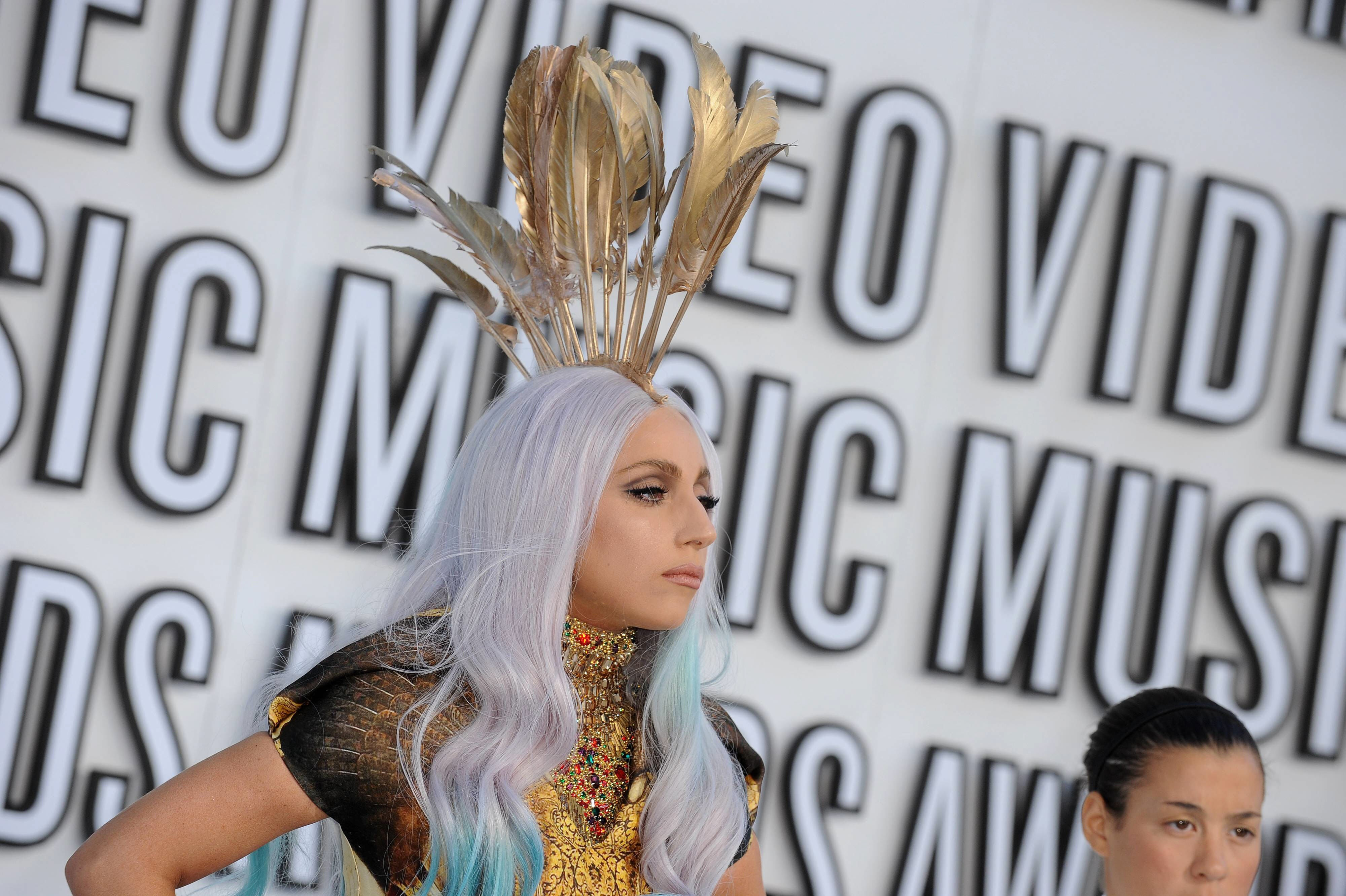 Wallpaper: un'estrosa Lady Gaga agli MTV Video Music Awards 2010