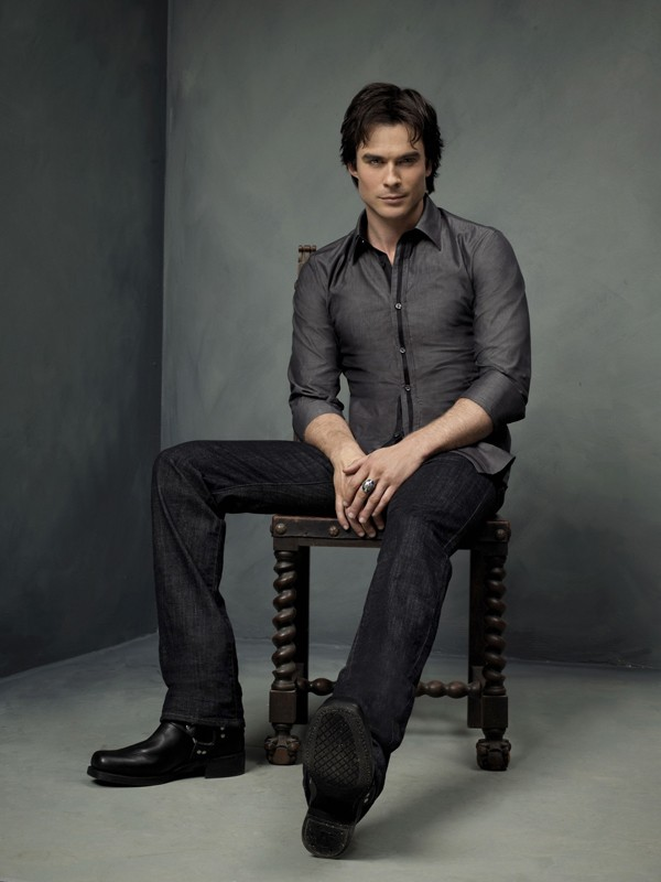 Ian Somerhalder in una foto per la season 2 di The Vampire Diaries