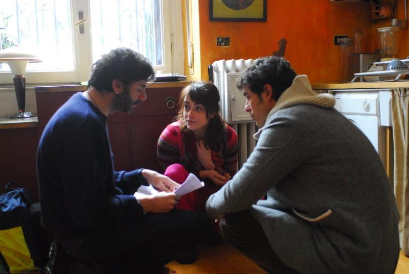 Alessandro Gassman e Valentina Lodovini con il regista Luca Lucini sul set del film La donna della mia vita