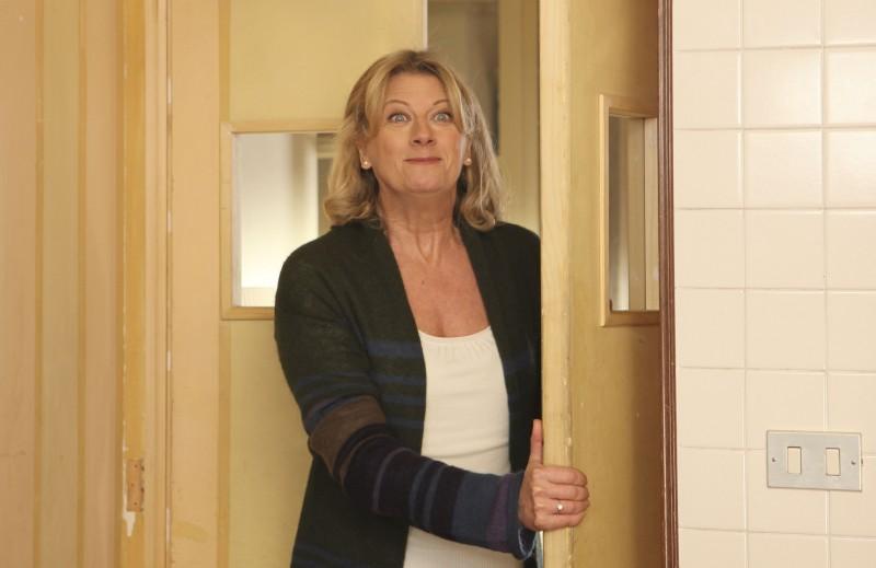 Angela Finocchiaro nella miniserie Due mamme di troppo